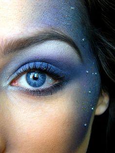 Blauwe glitter make-up., glitter make-up. Bezoek onze website voor meer beautytips: www. Makeup Fx, Makeup Geek, Makeup Inspo, Makeup Inspiration, Beauty Makeup, Prom Makeup, Wedding Makeup, Faun Makeup, Ursula Makeup