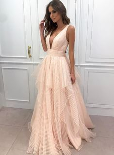 Elegant Dresses For Women, Fabulous Dresses, Beautiful Dresses, Pink Prom Dresses, Ball Dresses, Fashion Tips For Girls, Long Evening Gowns, Luxury Dress, Dream Dress