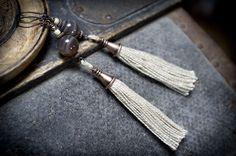 tassel tribal earrings • nomad • Bostwana Agate stone • ethnic earrings • bohemian • boucles d'oreilles pompons tribales • entre2et7 by entre2et7 on Etsy