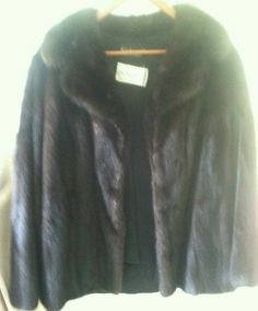 SOLD!!!!!!!!!! Blackglama Finest Quality Genuine Ranch Mink Fur Jkt Size 6 Excellent Condition #Blackglama #BasicJacket