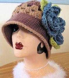 Uncinetto cappello Cloche di stile Vintage anni   20 di MaybeLemon  Paraorecchie 7c9b48607608
