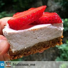 """STRAWBERRY CHEESECAKE! The whole cheesecake has around 300 calories and 40 grams of protein  crust: 1 Strawberry Cheesecake bar  1 tablespoon flax meal 3 tablespoons hot water Mix these together very well, and place in your lined pan 350f for 10 minutes. Cheesecake"""": 6oz strawberry @elliquark  2 egg whites 1/3 cup frozen strawberries 1 tablespoon coconut flour Place all the ingredients in your blender, and pour the mixture on your baked crust. Bake again for 30-35 minutes."""