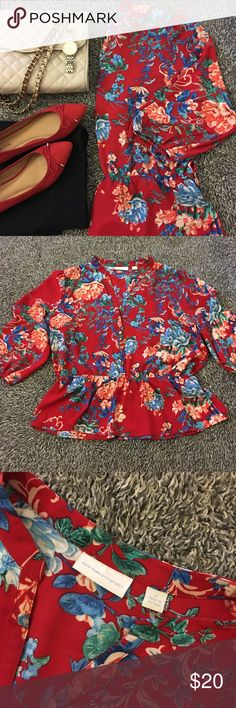 Lovely, floral peplum top! I love this top & would so keep it if it fit me the way I had hoped. It looks new with no flaws to note (unless I missed something -nothing obvious then). G8 shape & SF. Please see pic for details, condition & measurements. 3/4 length sleeves (18 inches) with elastic cuff. Elastic peplum style with beautiful floral print (reds, blues, greens & a pail pink). This piece can easily be worn for dress or as a more casual top. Wears well with no high maintenance…