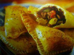 Empanadas con salsiccia e olive