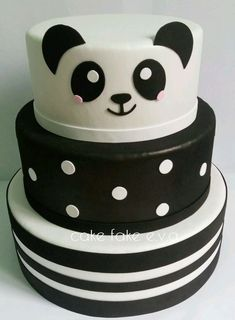 #bolopanda #panda #festadobanda #decoracaodepanda #festabandarosa Panda Birthday Cake, 10th Birthday, Bolo Panda, Cupcake Cookies, Cupcakes, Birthday Party Decorations, Birthday Parties, Panda Decorations, Panda Bebe