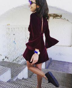 Jueves velvet !! Costa blanca 👌☀️☀️☀️@carinavalentina #puravida #lifestyle #bandoleras #bolsodemano #bolsosdelujo #carterademano #clutch #bohochic #primavera #newcolletion #luxury #lujo #elegant #mujer #style #bolsosartesanos #artesania #diseñadoradebolsos #diseñadora #diseñadoravalenciana #modafemenina #tienda #castellon #carinavalentina