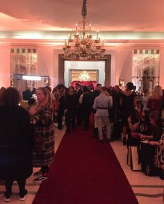 at @aspinaloflondon presentation taking place in one of the most exclusive locations in London @claridgeshotel. - #aspinaloflondon #collezioniaccessori #aw2017 #lfw  via COLLEZIONI MAGAZINE OFFICIAL INSTAGRAM - Celebrity  Fashion  Haute Couture  Advertising  Culture  Beauty  Editorial Photography  Magazine Covers  Supermodels  Runway Models