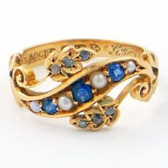 I LOVE vintage jewelry, and these blues look soooo pretty... (Ageless Heirlooms)