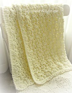 Lacy Crochet: Pretty Lacy Stitch for a Baby Blanket. *Made this in white for Claire's blessing blanket. Crochet Afghans, Knit Or Crochet, Baby Blanket Crochet, Crochet Crafts, Crochet Stitches, Crochet Projects, Baby Afghans, Crochet Blankets, Crotchet