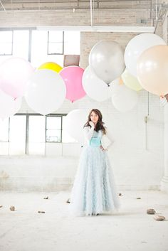 Lovely photo--love the balloons!