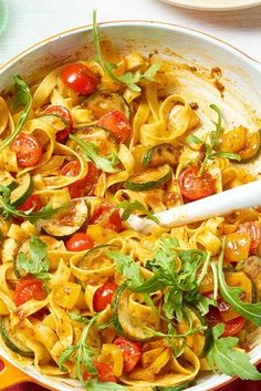 What do you think of a delicious tagliatelle and vegetable pan with rocket for dinner? It's quick and easy. # vegetables What do you think of a delicious tagliatelle and vegetable pan with rocket for dinner? It's quick and easy. Veggie Recipes, Gourmet Recipes, Pasta Recipes, Vegetarian Recipes, Snack Recipes, Dinner Recipes, Healthy Recipes, Healthy Eating Tips, Clean Eating