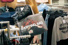 Adicción a las compras: Compradores compulsivos http://psicopedia.org/7128/adiccion-a-las-compras/