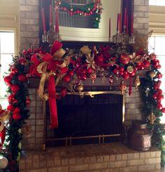 Beautiful #Christmas Mantel