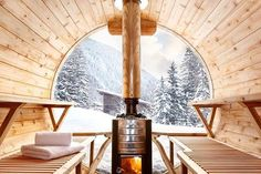 Photo Gallery for luxury ski chalet Marmotte Mountain Eco Lodge. Ski Chalet located in Chamonix Mont-Blanc. Outdoor Sauna, Jacuzzi Outdoor, Scandinavian Saunas, Scandinavian Design, Scandinavian Architecture, Architecture Design, John Pawson, Upper East Side, Architectural Digest
