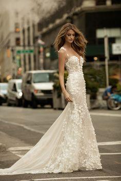 Áo cưới Royal Nhận đặt may, bán và cho thuê Áo cưới, Áo dài cưới, Vest giá tốt nhất tại Tp.HCM - 0987787972