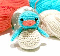 PATRÓ AMIGURUMI: OCELLET Crochet Dolls, Crochet Hats, Crochet For Kids, Crochet Designs, Tweety, Dinosaur Stuffed Animal, Bunny, Html, Crafty