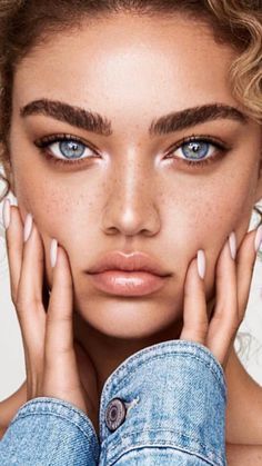 Alternative bridal beauty inspiration for your not so average bride ⚡ Cool Makeup Looks, Natural Makeup Looks, Natural Looks, Beauty Make-up, Beauty Shoot, Bridal Beauty, Fashion Beauty, Beauty Portrait, Stunning Eyes