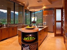 Contemporary Kitchens from Lori Carroll on HGTV