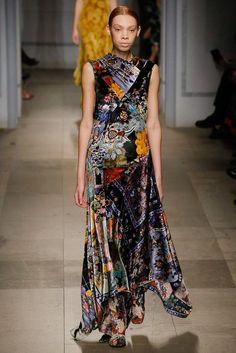 Erdem Fall 2017 Ready-to-Wear Collection Photos - Vogue Fashion Week, Fashion 2017, Runway Fashion, Boho Fashion, High Fashion, Winter Fashion, Cocktail Attire, Erdem, Vogue Russia