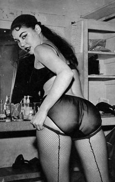 Nostalgic girls Erotic glamour