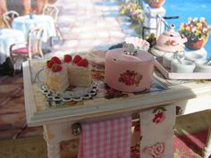 Dollhouse Miniature Shabby Chic Vintage Style por IttyBittyAndCute