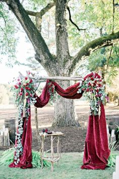 15 Beautiful Maroon Wedding Ideas https://www.designlisticle.com/maroon-wedding-ideas/