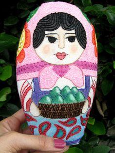 Vilma, la matrioska de los aguacates | Flickr: Intercambio de fotos. Embroidered matryoshka doll.