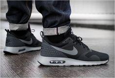 Nike Air Max Tavas Black Tênis De Corrida, Tênis Nike, Roupas Masculinas, Sapatilhas, Cunhas Da Nike, Botas Nike, Calça De Moletom Nike, Leggings Nike, Nike Blusão