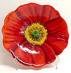 Red Poppy Bowl by Anne Nye This kiln worked glass poppy bowl will make any home bloom with color. Shaded with crushed glass and kiln shaped. Fused Glass Plates, Fused Glass Art, Glass Wall Art, Slumped Glass, Glass Bowls, Mosaic Glass, Flower Plates, Ceramic Flowers, Glass Plate Flowers