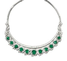 Fine emerald and diamond necklace, - Sotheby's Gold Necklace Simple, Emerald Necklace, Emerald Jewelry, High Jewelry, Diamond Jewelry, Diamond Necklaces, Bulgari Jewelry, Bling Bling, Bracelet Turquoise