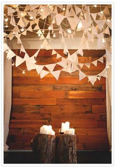 idea para decorar un photocall con banderines y luces