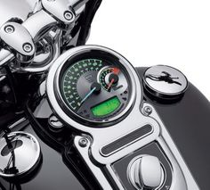 Maintain the clean view over the handlebar. This unique Combination Speedometer/Analog Tachometer allows you to monitor engine speed, fixed segment fuel level and gear indication, without adding additional handlebar-mounted gauges. Harley Davidson Road Glide, Harley Davidson News, Harley Davidson Motorcycles, Scrambler Motorcycle, Motorcycle Clubs, Motorcycle Garage, Harley Davidson Online Store, Road King Classic, Night Train