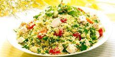 Kylling- og couscoussalat med urter - Her er en enkel kyllingsalat med couscous. Couscous går omtrent dobbelt så fort som pasta.