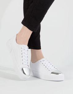 PLIMSOLLS WITH METALLISED TOE - WOMEN'S FOOTWEAR - WOMAN - PULL&BEAR Greece