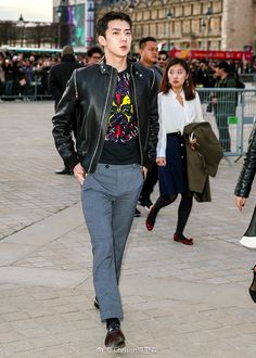 Sehun - 170307 Louis Vuitton Women's F/W 2017 Fashion Show  Credit: Chrison克里森.