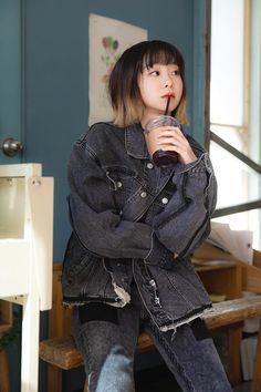just a fangirl Girl Celebrities, Korean Celebrities, Asian Actors, Korean Actresses, Ootd Poses, Pretty Korean Girls, Gossip Girl Fashion, Cute Actors, Kawaii Fashion