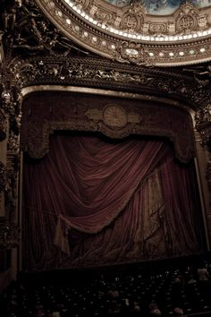 They do not make movie theaters like this anymore.  What a shame, this is beautiful. via Tinkering with Teacups