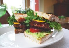 LAZY VEGAN BBQ AVOCADO BURGERS
