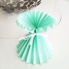 #origami #dobradura #papel #paper #paperart #paperfold #pa… | Flickr Decor Crafts, Easy Crafts, Diy And Crafts, Crafts For Kids, Paper Crafts, Tissue Paper Flowers, Origami Flowers, Paper Roses, Diy Origami
