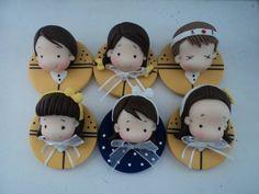 imãs em biscuit com 4,5 diam, com personagens escolhidos pela cliente,pode ser usado como apliques!!! R$ 5,00