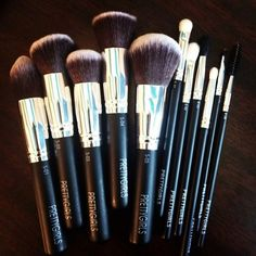 "Get the ""Complete Pretty"" with Prettygirls-11 Piece Makeup Brush Set!  This set is comprised of our 5 Piece ""Pretty Flawless"" Makeup Brush Set and our 6 piece ""Pretty Eyes"" Eye Makeup Brush Set.  With this compilation you will be able to create a complete face using these unique anti-aging brushes!"
