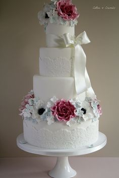 Anenome-Rose-wedding-cake