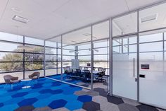 640px X 427px 2588px X 1725px Keywords: Clerestory, Corporate, Glass Walls, Signage, bar pull, center mount walls, frameless glass pivot doors, graphics, locks, Meeting Room, stick built walls, wayfinding © DIRTT — All rights reserved. ID 10209