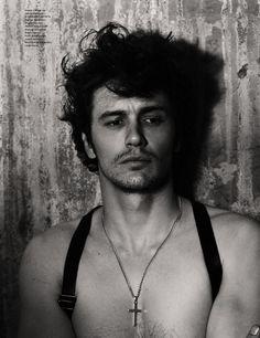 Moleskine Male: James Franco incorpora Robert Mapplethorpe para GQ alemã