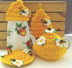 picture of honey bee kitchen set crochet pattern