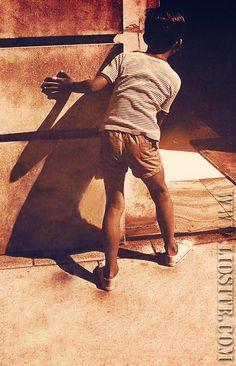 Khaled Hosseini - È stato tanto tempo fa [...] Il passato è la base del presente e non lo puoi distruggere o distruggiamo anche quello che siamo oggi... purtroppo.  #KhaledHosseini, #passato, #presente, #liosite, #citazioniItaliane, #frasibelle, #ItalianQuotes, #Sensodellavita, #perledisaggezza,  #perledacondividere,