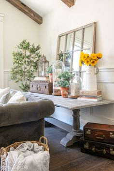 Get ideas about how to add bright summer decor to your home. Tour this country cottage with yellow and white decor accents Yellow Accents, White Decor, Farmhouse Style, Farmhouse Design, Modern Farmhouse, Home Builders, Decoration, Seasonal Decor, House Tours