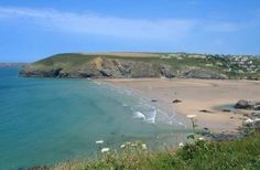 Mawgan Porth Beach, Newquay, Cornwall #dogfriendly beach