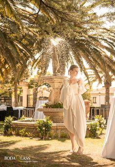 reportaje boda novia paseando el dia de su boda
