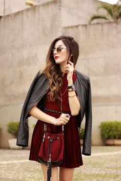 look du jour velvet pleated skirt burgundy